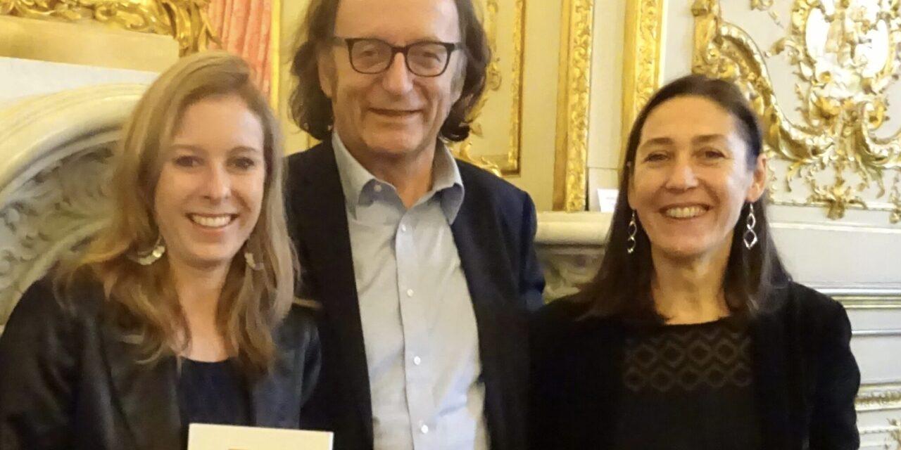 Remise d'un prix de thèse de l'Institut Varenne à Lison Guignard